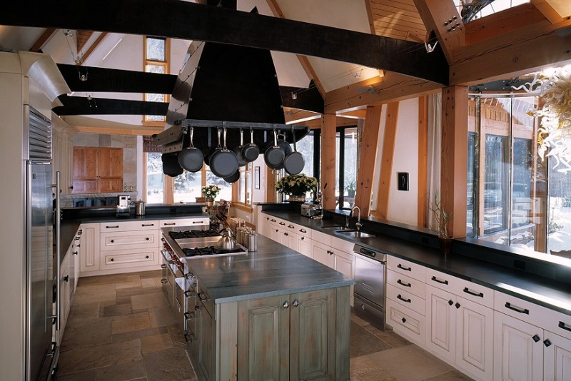transition-traditional-kitchen1