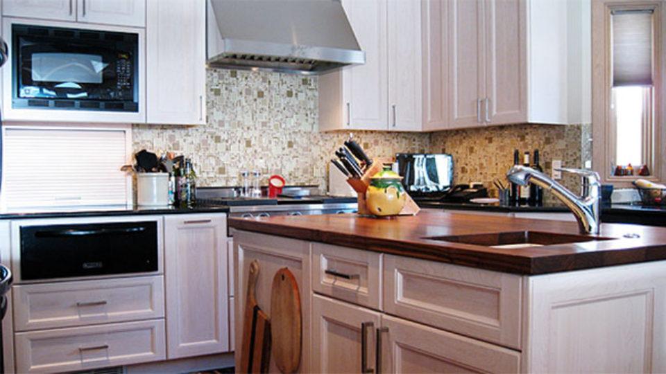 modern-kitchen-white-cabinets