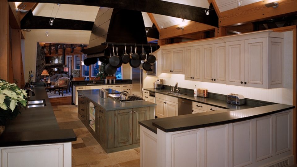 transition-traditional-kitchen2